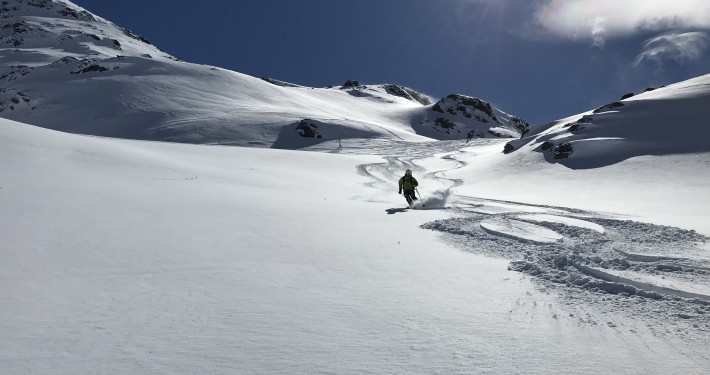 Hinterrendl off piste run in St. Anton Arlberg with a mountain guide